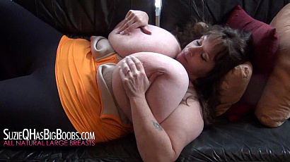 Suzie Q On Back Jiggle Show