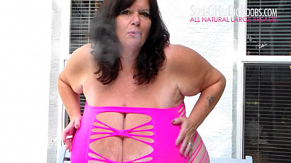 Suzie Smoking Fingering and Oiling