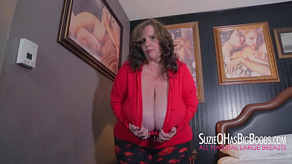 Suzie Bed Time Tit Show
