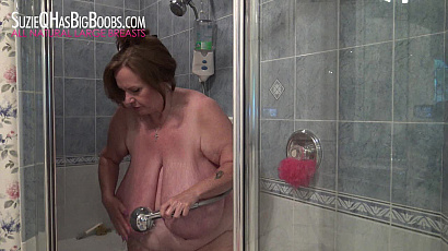 Suzie 44K Huge Boobs Shower