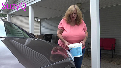 SuzieQ Big Boobs Car Wash
