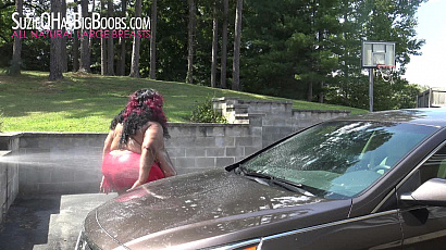 Suzie 44K and Norma Stitz Big Boobs Carwash