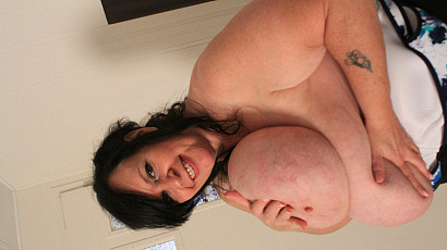 Suzie 44K Big Breasts Playtime
