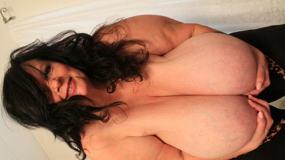 Suzie 44K Boobs For You