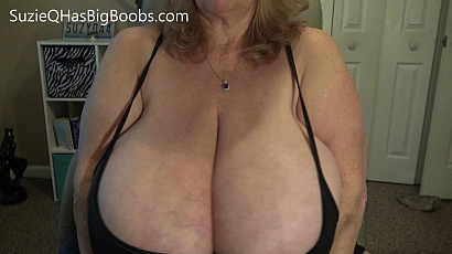 Suzie 44K Vibrator and Cleavage
