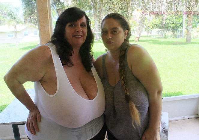 Suzie 44K Gigantomastia Breasts - Divine Breasts